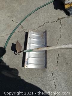 Hoe & Snow Shovel
