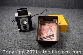 Vintage Brownie Reflex Camera w/Box