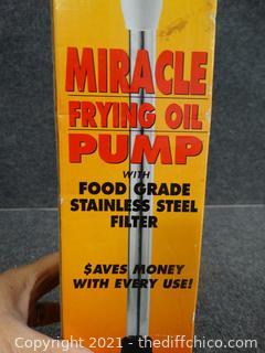 NIB Miracle Frying Oil Pump