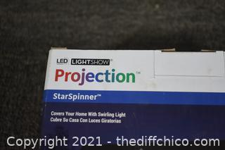 NIB Projection Star Spinner Lights