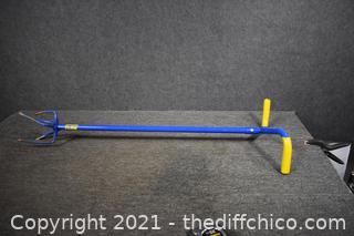 41in long Garden Claw