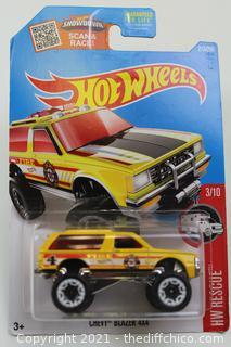 2016 Hot Wheels #213 HW Rescue 3/10 CHEVY BLAZER 4x4 Yellow
