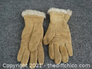 Ladies Gloves  MED