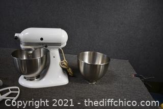 Working Kitchen Aid Mixer and accessories