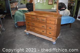Ethan Allen Maple 9 Drawer Dresser w/Mirror
