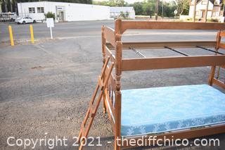 Ethan Allen Maple Bunk Beds w/ladder