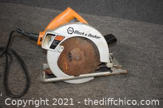 Working 7 1/4in Black and Decker Circular Saw