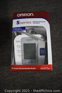Blood Pressure Monitor w/box