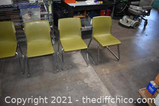 4 Stackable Chairs - Green