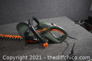 Working 22in Electric Black and Decker Hedger