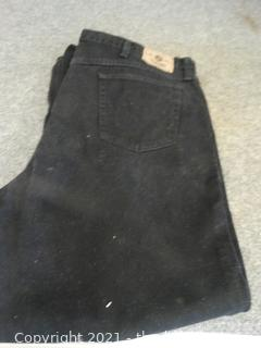 Black Wrangler Jeans 46 x32