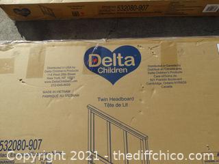 Delta Twin Head Board