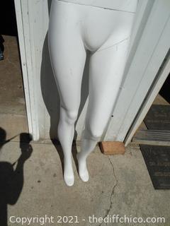"""5' 5"""" Mannequin"""