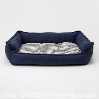 NEW Medium (up to 50lbs) Rectangular Hi Wall Cuddler Dog Bed
