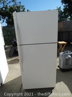 "Kenmore Refrigerator      mod #  10673842301    wks 65 1/2""X  29 1/2"" X 31 """