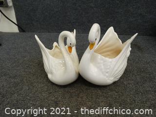 2 Glass Swans
