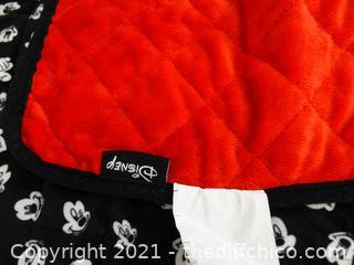 "Disney Blanket 37"" x 28"""