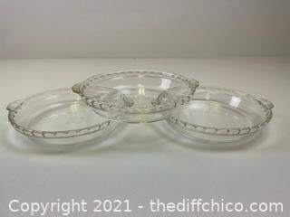 """(3) Vintage Pyrex 9.5"""" Pie Plate Model 229 Deep Dish w/ Handles and Fluted Edges"""
