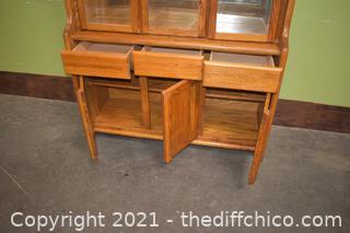 Hutch-1 piece - 1 glass shelf