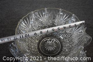 Punch Bowl w/12 cups and hooks