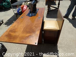 Sewing table With Sewing Machine
