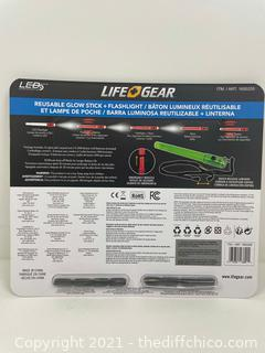 NEW CAMPING SAFETY LIFE+GEAR Reusable Glow Stick & Flashlight Combo 8-Pack