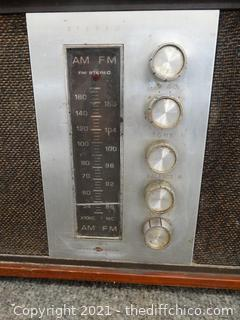 Phil Co Solid State Radio