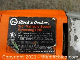 Black & Decker Variable Speed Reversing Drill wks