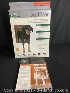 PETSAFE PET DOOR & REPLACEMENT FLAPS!