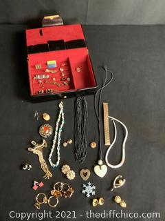 VINTAGE COSTUME JEWELRY LOT! CLIP ON EARRINGS & MUCH MORE!