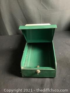 METAL STORAGE BOX WITH KEY!
