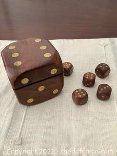 WOODEN DICE HOLDER BOX ! WITH 5 LARGE WOODEN DICE!