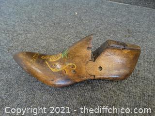 Wood welcome Hanging Shoe