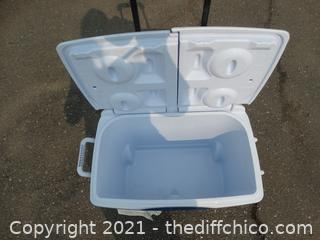 Rubbermaid Rolling IceChest