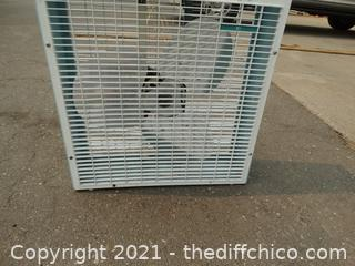 """Working  Box Fan 22"""" x 22"""""""