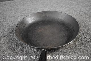 Le Creuset 10in Fry Pan