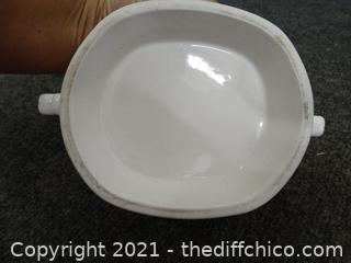 Decretive Bowl With Ladle, Lid