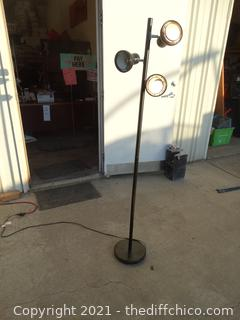 Black 3 outlet Floor Lamp 1 out let not working