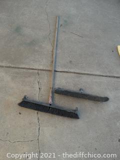 Push Broom with Extra Head