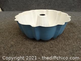 Blue Bunt pan