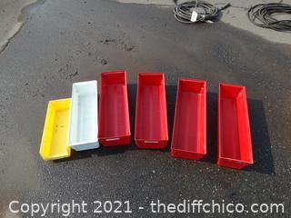6 Plastic Organizers