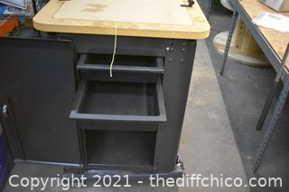 Tool Dock Work Bench
