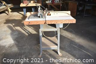 Working Rockwell Shaper for Cabinet Doors
