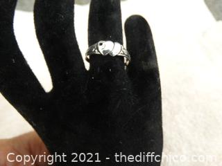 925 Silver Ring Size 8     1.66 Grams