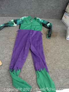Hulk Costume 6 or 7 ?