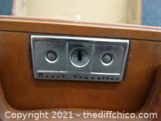 "Royal Traveler Hard Shell Suitcase 20"" x 24"" x 8"""