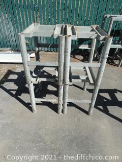 """4 Metal Supports 18"""" x 14"""" x 20"""""""