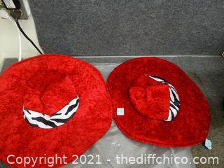 2 Witches hats