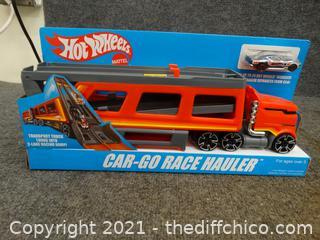 Hot Wheels  Car- Go- Race Hauler NIB
