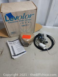 Water leveler for pool or pond -NIB
